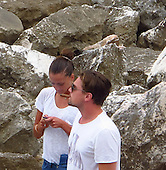 Leo DiCaprio w Natalie 05/25/2011
