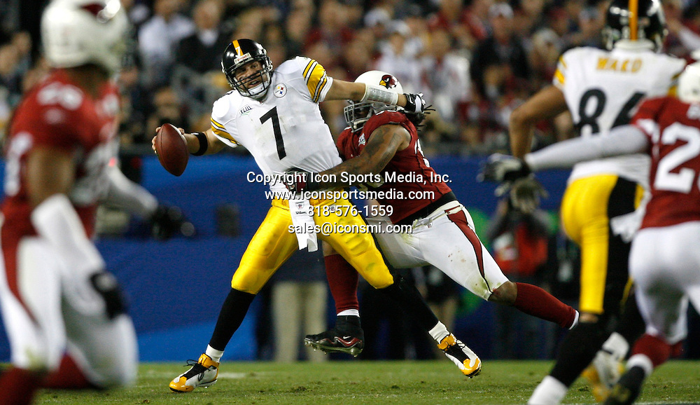 Feb 01, 2009 - Tampa, Florida, USA - Steelers QB Ben Roethlisberger (7) is sacked by Darnell Dockett (90) in the third quarter..Super Bowl XLIII between the Arizona Cardinals and the Pittsburgh Steelers on February 1, 2009 at Raymond James Stadium