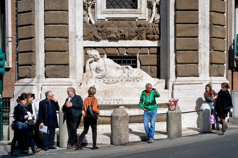 Roma 10 Marzo 2015<br /> Restaurato il complesso monumentale  delle Quattro Fontane<br /> Il Tevere, l'Arno, Giunone e Diana tornano a zampillare dopo nove mesi di lavori finanziati dalla maison Fendi  per un costo totale di 320.000 euro. La fontana Diana <br /> Rome March 10, 2015<br /> Restored the monument of Quattro Fontane<br /> The Tiber, the Arno, Juno and Diana return to gush after nine months of work funded by the fashion house Fendi for a total cost of 320,000 Euros. The fountain Diana