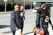 CINCINNATI, OH - DECEMBER 17: Cincinnati Bengals head coach Marvin Lewis and players make their way back to Paul Brown Stadium following a workout on the practice fields on December 17, 2015 in Cincinnati, Ohio. (Photo by Joe Robbins)