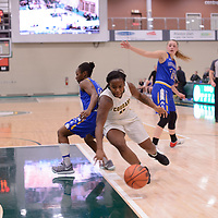 2nd year guard Kyanna Giles (9) of the Regina Cougars during the Women's Basketball home game on November 24 at Centre for Kinesiology, Health and Sport. Credit: Arthur Ward/Arthur Images