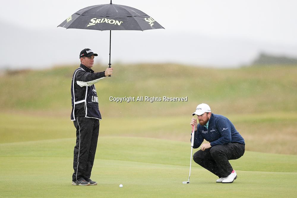 03.10.2014. St Andrews, Scotland. Alfred Dunhill Links Championship.  Course leader Shane Lowry (IRL) eyeing up his putt for a birdie on the 4th green.