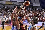 DESCRIZIONE : Venezia Campionato Lega A 2015-2016 9 Umana Reyer Venezia Betaland Capo d Orlando<br /> GIOCATORE : Jarrius Jackson<br /> CATEGORIA : Passaggio<br /> SQUADRA : Umana Reyer Venezia Betaland Capo d Orlando<br /> EVENTO : Campionato Lega A 2015-2016<br /> GARA : Umana Reyer Venezia Betaland Capo d Orlando<br /> DATA : 11/10/2015<br /> SPORT : Pallacanestro<br /> AUTORE : Agenzia Ciamillo-Castoria/M.Gregolin<br /> Galleria : Lega Basket A 2015-2016<br /> Fotonotizia :   Venezia Campionato Lega A 2015-2016 9 Umana Reyer Venezia Betaland Capo d Orlando<br /> Predefinita :