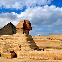Great Sphinx and Pyramid of Khufu at Giza, Egypt<br />