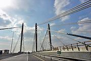 Nederland, Ewijk, 7-1-2013De twee brughelften van de nieuwe brug over de Waal in de snelweg A50 hebben elkaar bereikt. De brug is gesloten. In de loop van 2013 kan hij in gebruik genomen worden. Dan krijgt de huidige brug groot onderhoud en in 2014 zijn ze beiden beschikbaar. Wegverbreding van de A50 tussen de knooppunten Ewijk en Valburg. Onderdeel van deze wegverbreding is de bouw van een extra brug over Waal. De A 50 tussen knooppunt Grijsoord en Ewijk is een van de grootste knelpunten in het wegennet op dit moment.Foto: Flip Franssen/Hollandse Hoogte