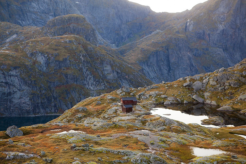 The Norwegian Trekking Association's Munkebu Hut on Moskenesoya, Lofoten Islands, Norway.