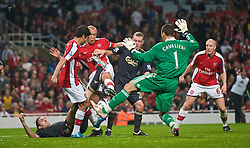LONDON, ENGLAND - Wednesday, October 28, 2009: Liverpool's goalkeeper Diego Cavalieri saves from Arsenal's Mikael Silvestre during the League Cup 4th Round match at Emirates Stadium. (Photo by David Rawcliffe/Propaganda)
