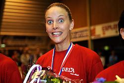 26-04-2008 VOLLEYBAL: DELA MARTINUS - AMVJ: AMSTELVEEN<br /> Martinus landskampioen 2007-2008 / Chaine Staelens<br /> &copy;2008-WWW.FOTOHOOGENDOORN.NL
