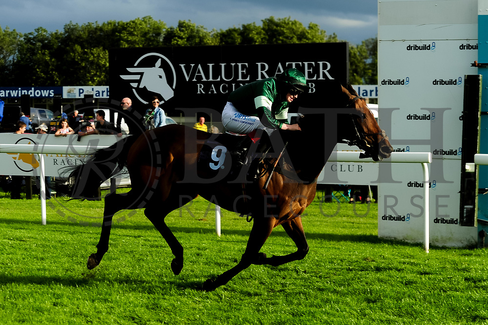 Lady Natasha ridden by Sophie Ralston and trained by James Grassick in the Kingstone Press Apple Handicap (Value Rater Racing Club Bath Summer Stayers Series Qualifier) (Class 5) race.  - Ryan Hiscott/JMP - 17/08/2019 - PR - Bath Racecourse - Bath, England - Race Meeting at Bath Racecourse
