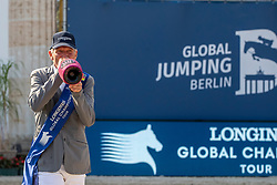 BEERBAUM, Ludger (GER)<br /> Berlin - Global Jumping Berlin 2019<br /> Siegerehrung - Sektdusche<br /> CSI5* - LONGINES GLOBAL CHAMPIONS TOUR Grand Prix of Berlin<br /> presented by TENNOR<br /> Wertungsprüfung zur Longines Global Champions Tour 2019 <br /> Springprüfung mit Stechen, international<br /> 27. Juli 2019<br /> © www.sportfotos-lafrentz.de/Stefan Lafrentz
