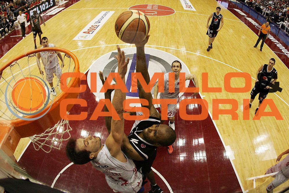 DESCRIZIONE : Milano Lega A 2009-10 Playoff Semifinale Gara 3 Armani Jeans Milano Pepsi Caserta<br /> GIOCATORE : Timothy Jermaine Bowers<br /> SQUADRA : Pepsi Caserta<br /> EVENTO : Campionato Lega A 2009-2010 <br /> GARA : Armani Jeans Milano Pepsi Caserta<br /> DATA : 06/06/2010<br /> CATEGORIA : Tiro Special<br /> SPORT : Pallacanestro <br /> AUTORE : Agenzia Ciamillo-Castoria/G.Cottini<br /> Galleria : Lega Basket A 2009-2010 <br /> Fotonotizia : Milano Lega A 2009-10 Playoff Semifinale Gara 3 Armani Jeans Milano Pepsi Caserta<br /> Predefinita :