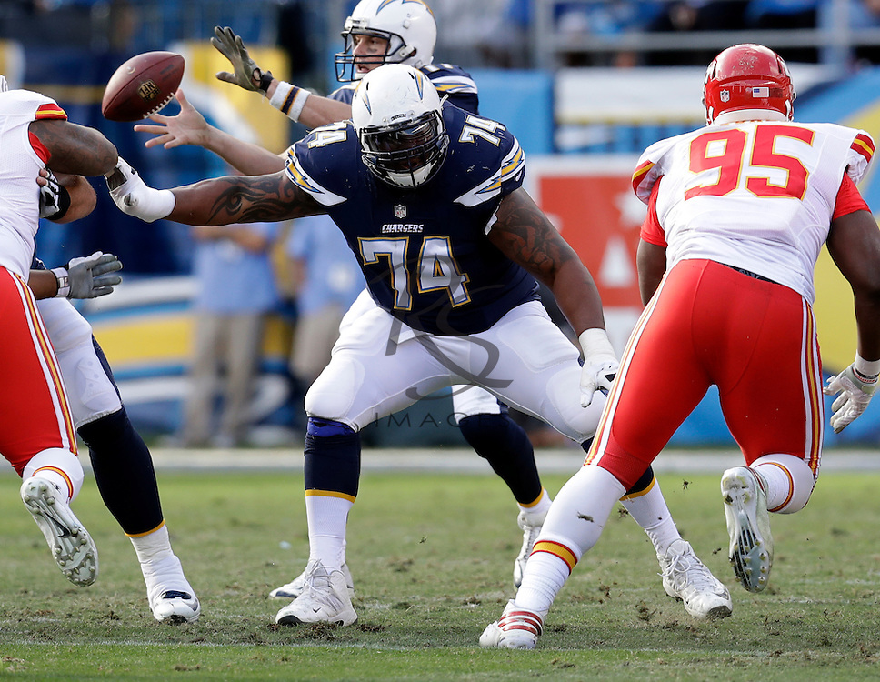 San Diego Chargers offensive guard Orlando Franklin (74) during an NFL football game against the Kansas City Chiefs Sunday, Jan. 1, 2017, in San Diego. (AP Photo/Rick Scuteri)