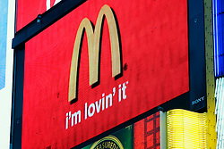UK ENGLAND LONDON 15MAR07 - Neon advertising at Piccadilly Circus in central London. ..jre/Photo by Jiri Rezac..© Jiri Rezac 2007..Contact: +44 (0) 7050 110 417.Mobile:  +44 (0) 7801 337 683.Office:  +44 (0) 20 8968 9635..Email:   jiri@jirirezac.com.Web:    www.jirirezac.com..© All images Jiri Rezac 2007 - All rights reserved.