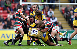 Dom Barrow of Leicester Tigers is tackled - Mandatory by-line: Robbie Stephenson/JMP - 08/10/2016 - RUGBY - Welford Road Stadium - Leicester, England - Leicester Tigers v Worcester Warriors - Aviva Premiership