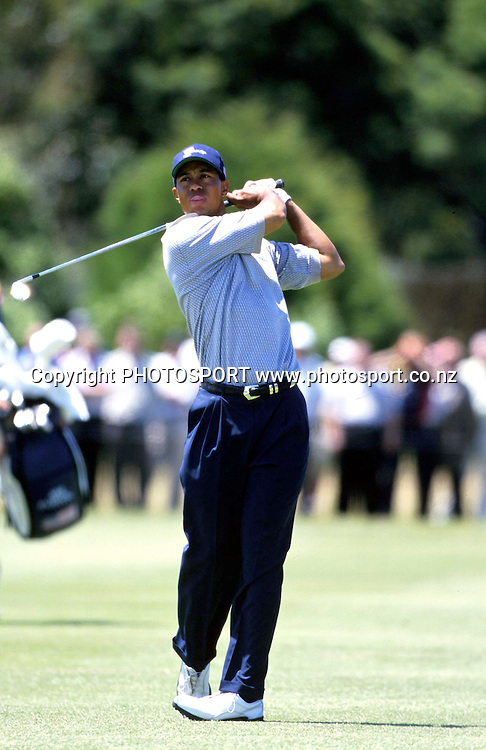 Tiger Woods swings through his shot, Presidents Cup, USA golf, 1998. photo: Andrew Cornaga/PHOTOSPORT