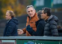 AMSTELVEEN -   Vader  Schoenaker (Den Bosch)  tijdens de competitie hoofdklasse hockeywedstrijd mannen, Amsterdam- Den Bosch (2-3).  COPYRIGHT KOEN SUYK