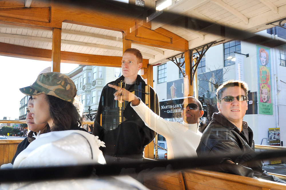 Uzoezi & Noam generously took their guests on a cable car tour around San Francisco the morning of their wedding