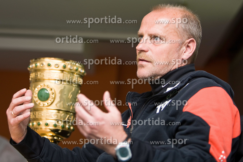 05.05.2010, Weser Stadion, Bremen, GER, Interview Thomas Schaaf (Trainer / Coach Werder Bremen). DFB Pokal. Foto © nph / Arend / SPORTIDA PHOTO AGENCY