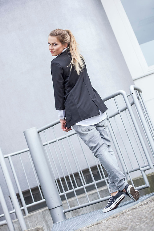 Me and Lou Lookbook - Business look with Valentina Albrigo by Streetfashion Fotograf München