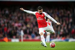Olivier Giroud of Arsenal lines up a shot - Mandatory byline: Jason Brown/JMP - 07966386802 - 09/01/2016 - FOOTBALL - Emirates Stadium - London, England - Arsenal v Sunderland - The Emirates FA Cup