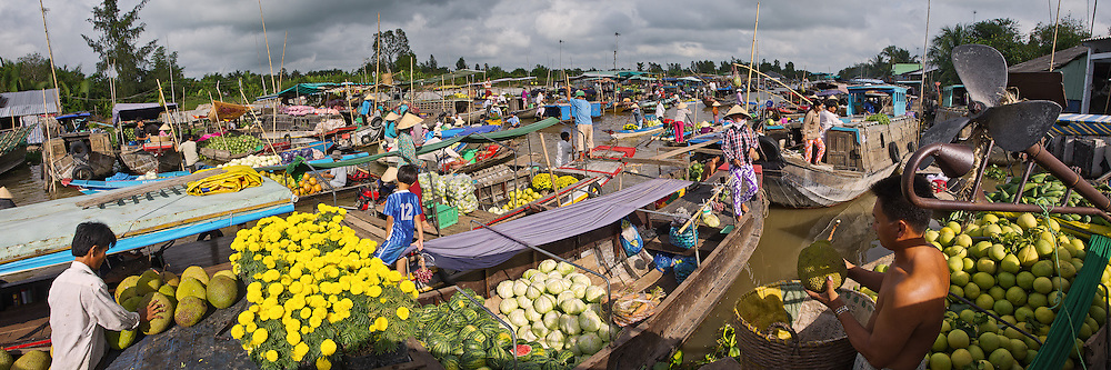 Vietnam Images-Panoramic landscape-market-Mekong delta.