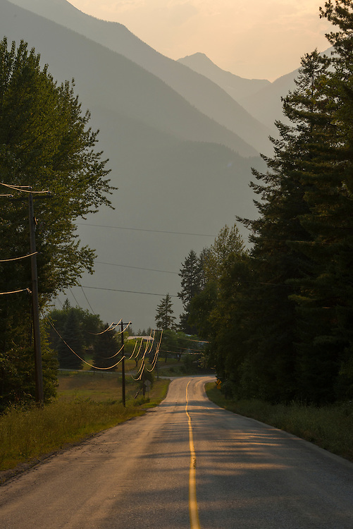 Canada, British Columbia,Kaslo, Kokanee Mountains, country road