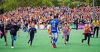 BLOEMENDAAL - teleurstelling bij Sander de Wijn (Kampong)  na   de derde en beslissende finale van de play-offs om de Nederlandse titel hockey, Bloemendaal-Kampong  . COPYRIGHT  KOEN SUYK