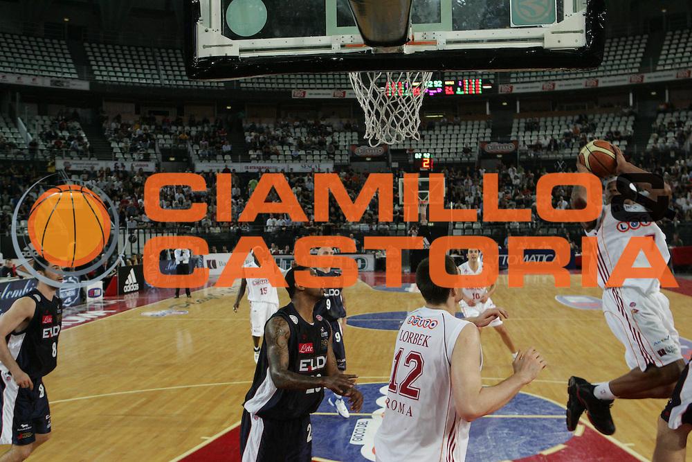 DESCRIZIONE : Roma Lega A1 2006-07 Playoff Quarti di Finale Gara 1 Lottomatica Virtus Roma Eldo Napoli<br />GIOCATORE : Hawkins<br />SQUADRA : Lottomatica Virtus Roma<br />EVENTO : Campionato Lega A1 2006-2007 Playoff Quarti di Finale Gara 1 <br />GARA : Lottomatica Virtus Roma Eldo Napoli<br />DATA : 16/05/2007 <br />CATEGORIA : Tiro<br />SPORT : Pallacanestro <br />AUTORE : Agenzia Ciamillo-Castoria/G.Ciamillo