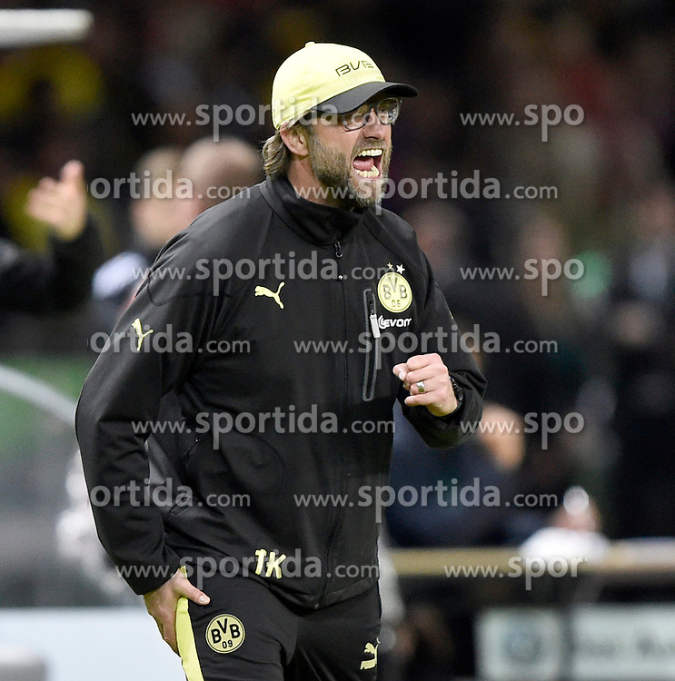 17.05.2014, Olympiastadion, Berlin, GER, DFB Pokal, Borussia Dortmund vs FC Bayern Muenchen, Finale, im Bild Trainer Juergen Klopp BVB Borussia Dortmund am Spielfeldrand Gestik Geste sauer // during the mens DFB Pokal final match between Borussia Dortmund and FC Bayern Munich at the Olympiastadion in Berlin, Germany on 2014/05/17. EXPA Pictures &copy; 2014, PhotoCredit: EXPA/ Eibner-Pressefoto/ Weber<br /> <br /> *****ATTENTION - OUT of GER*****