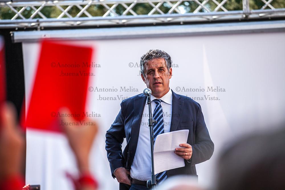 Il PM antimafia Nino Di Matteo, in via D'Amelio, durante la commemorazione dell'uccisione del magistrato Paolo Borsellino e la sua scorta.<br /> <br /> Judge Nino di Matteo to sit-in organized by the Association, the people Red agendas, in Palermo. Judge Nino Di Matteo is currently leading the prosecution of 10 former state officials following a probe into state-Mafia negotiations in the late '90s, he is considered most at-risk prosecutor in Italy after claims that Cosa Nostra bosses have plans to assassinate him with a bazooka.