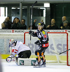 4.10.2015, Messestadion, Dornbirn, AUT, EBEL, Dornbirner Eishockey Club vs HC TWK Innsbruck Die Haie, 8. Runde, im Bild Jubel beim Dornbirner Eishokey Club zum 3:1// during the Erste Bank Icehockey League 8th round match between Dornbirner Eishockey Club and HC TWK Innsbruck Die Haie ers at the Messestadion in Dornbirn, Austria on 2015/10/04, EXPA Pictures © 2015, PhotoCredit: EXPA/ Peter Rinderer