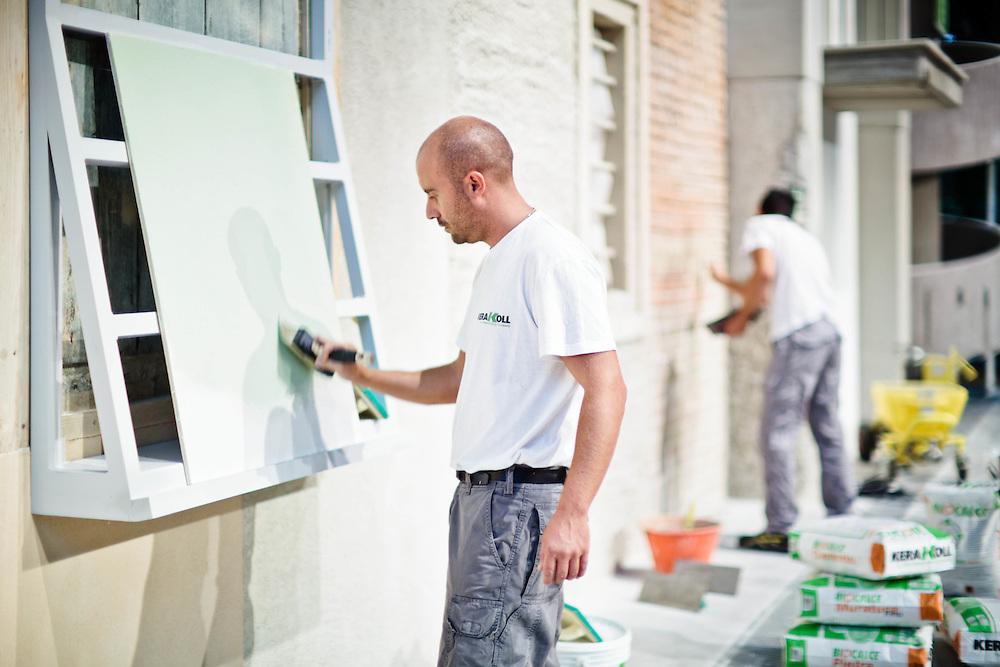 """06 SEP 2011 - Sassuolo (MO) - """"Kerakoll"""", prodotti e servizi per costruzioni: istruttori al Green Building Campus, scuola per muratori"""
