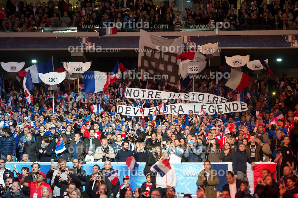 21.11.2014, Stade Pierre Mauroy, Lille, FRA, Davis Cup Finale, Frankreich vs Schweiz, im Bild Frankreich Fans // during the Davis Cup Final between France and Switzerland at the Stade Pierre Mauroy in Lille, France on 2014/11/21. EXPA Pictures © 2014, PhotoCredit: EXPA/ Freshfocus/ Valeriano Di Domenico<br /> <br /> *****ATTENTION - for AUT, SLO, CRO, SRB, BIH, MAZ only*****