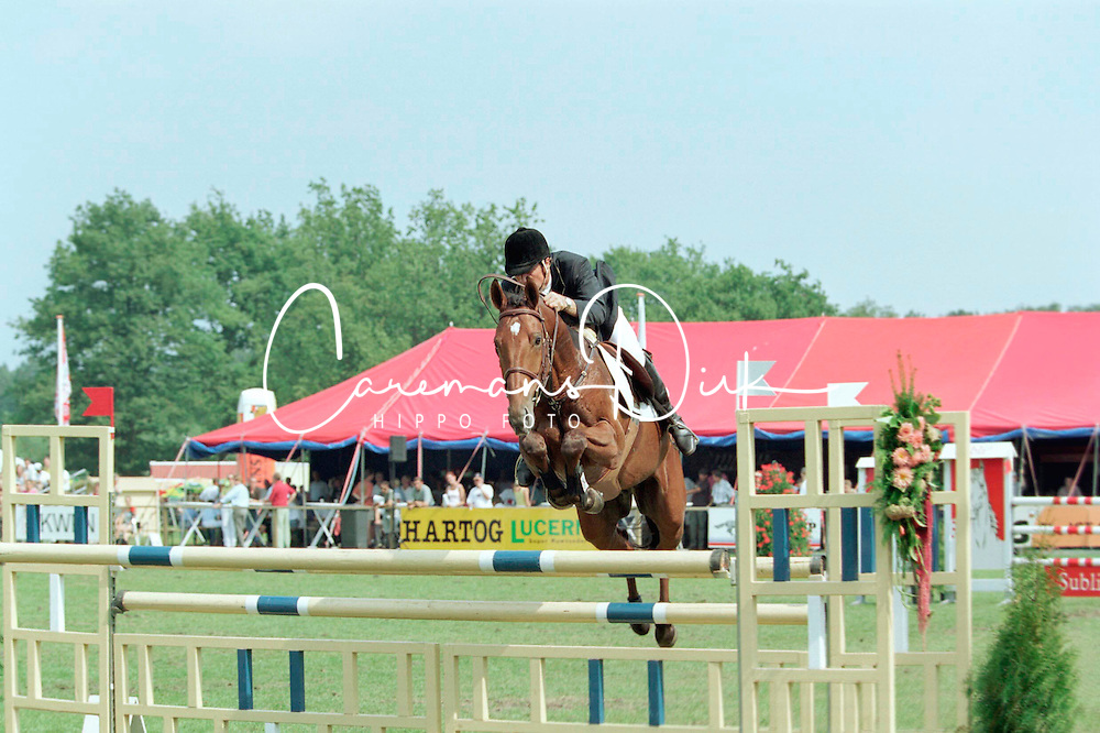Coumans Gabriel-Okido<br />KWPN Paardendagen 2001<br />Photo &copy; Dirk Caremans