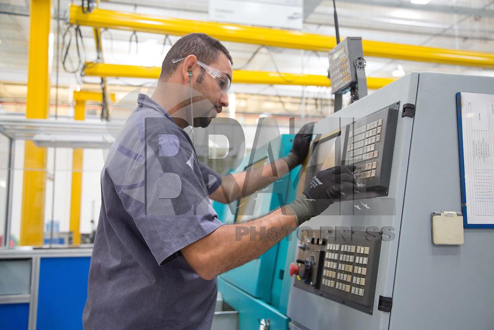 ITUPEVA, SP, 17 DE ABRIL DE 2013. INAUGURACAO FABRICA KNORR-BRESME. A empresa Knorr-Bresme inaugura nova fabrica na cidade de Itupeva, no interior do estado de São Paulo. A empresa alemã produz: freios e válvulas para caminhões e trens, freios para equipamentos agrícolas e portas para trens e metrô. FOTO ADRIANA SPACA/BRAZIL PHOTO PRESS