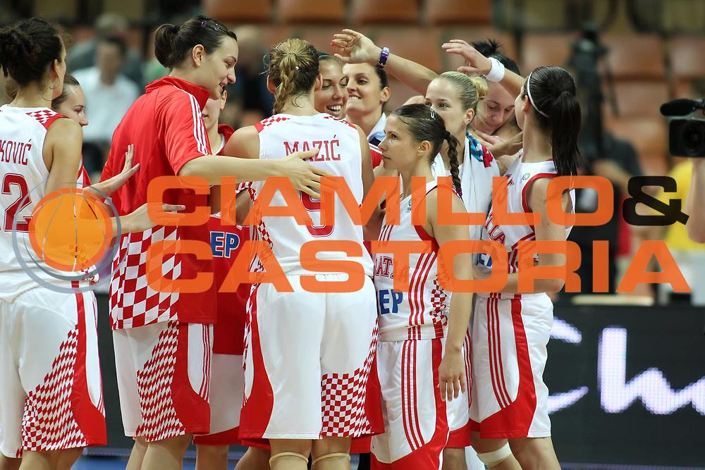 DESCRIZIONE : Katowice Poland Polonia Eurobasket Women 2011 Round 2 Croazia Polonia Croatia Poland<br /> GIOCATORE : esultanza team<br /> SQUADRA : Croatia Croazia<br /> EVENTO : Eurobasket Women 2011 Campionati Europei Donne 2011<br /> GARA : Croazia Polonia Croatia Poland<br /> DATA : 24/06/2011<br /> CATEGORIA : <br /> SPORT : Pallacanestro <br /> AUTORE : Agenzia Ciamillo-Castoria/E.Castoria<br /> Galleria : Eurobasket Women 2011<br /> Fotonotizia : Katowice Poland Polonia Eurobasket Women 2011 Round 2 Croazia Polonia Croatia Poland<br /> Predefinita :