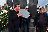 Armenie, region de Gegharkunik, lac Sevan, cimetière de Noraduz, enterrement // Armenia, Gegharkunik province, Sevan Lake, Noraduz cimetery, funeral
