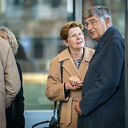 NLD/Amsterdam/20181027 - Herdenkingsdienst Wim Kok, Maartje van Weegen in gesprek met ..........