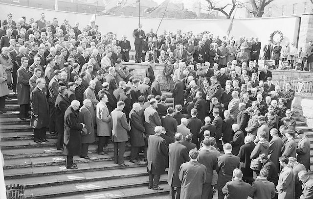 Delegates to the Annual GAA congress pay their respects when their new President laid a wreath at the Garden of Remembrance in Dublin...Annual Congress, GAA. 26.3.1967. 26th March 1967