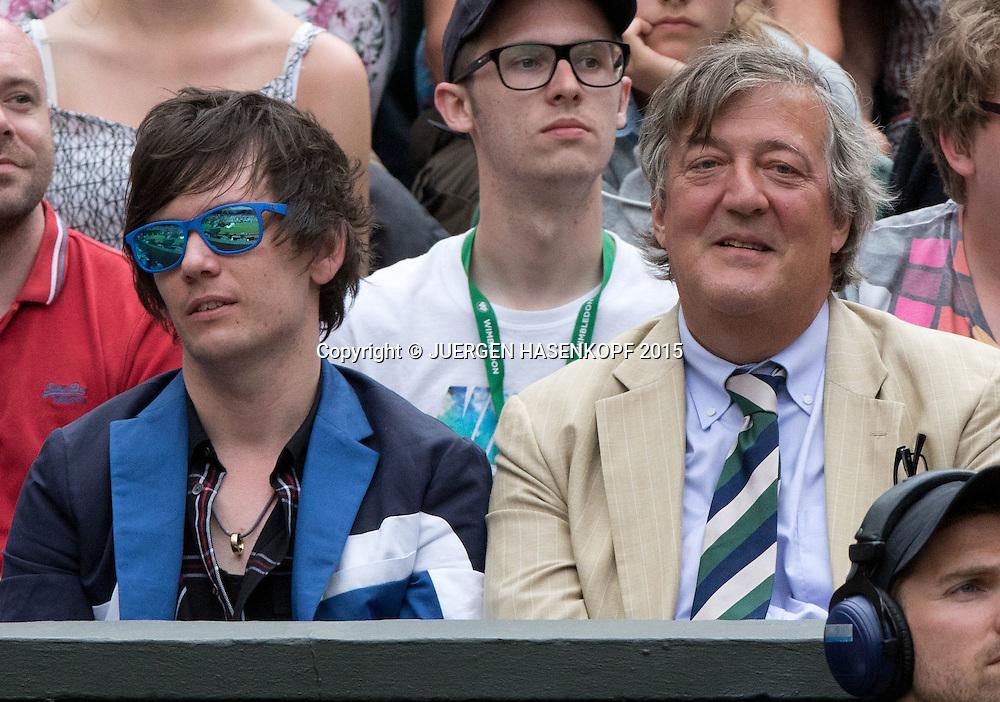 Wimbledon Feature,Elliott Spencer und Stephen Fry, VIP Zuschauer,<br /> <br /> <br /> Tennis - Wimbledon 2015 - Grand Slam ITF / ATP / WTA -  AELTC - London -  - Great Britain  - 7 July 2015.
