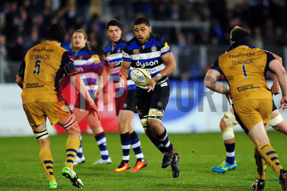 Taulupe Faletau of Bath Rugby in possession - Mandatory byline: Patrick Khachfe/JMP - 07966 386802 - 18/11/2016 - RUGBY UNION - The Recreation Ground - Bath, England - Bath Rugby v Bristol Rugby - Aviva Premiership.