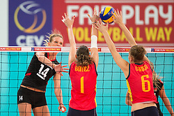 06.09.2013, Gery Weber Stadion, Halle, GER, Volleyball EM 2013, Deutschland vs Spanien, im Bild,, Margareta Kozuch (#14 GER) - Block/ Doppelblock Rocio Gomez Lopez (#1 ESP), Anna Mirtha Coorrea Esteban (#6 ESP) // during the volleyball european championchip match between Germany and Spain at the Gery Weber Stadion in Halle, Germany on 2013/09/06. EXPA Pictures © 2013, PhotoCredit: EXPA/ Eibner/ Kurth<br /> <br /> ***** ATTENTION - OUT OF GER *****