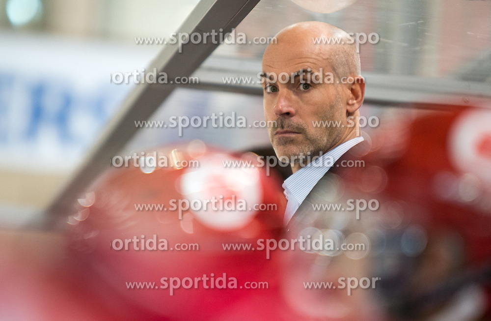 11.10.2015, Tiroler Wasserkraft Arena, Innsbruck, AUT, EBEL, HC TWK Innsbruck die Haie vs Dornbirner Eishockey Club, 10. Runde, im Bild Headcoach Christer Olsson (HC TWK Innsbruck Die Haie) // during the Erste Bank Icehockey League 10th round match between HC TWK Innsbruck  die Haie and Dornbirn Eishockey Club at the Tiroler Wasserkraft Arena in Innsbruck, Austria on 2015/10/11, EXPA Pictures © 2015, PhotoCredit: EXPA/ Jakob Gruber