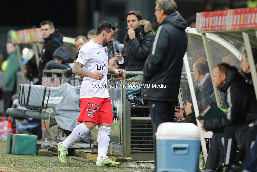 Sortie Ezequiel LAVEZZI - 14.12.2014 - Guingamp / Paris Saint Germain - 18eme journee de Ligue 1<br />