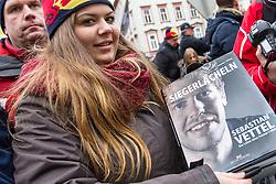 01.12.2012, Graz, AUT, Formel 1 Show Run in Graz im Bild Fan von Sebastian Vettel wartet auf ein Autogramm // during the Formel 1 Show Run in Graz, Austria on 2012/12/01. EXPA Pictures © 2012, PhotoCredit: EXPA/ M. Kuhnke