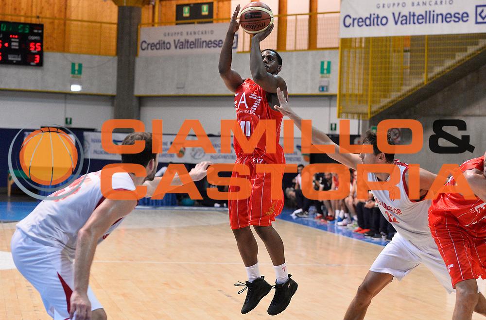 DESCRIZIONE : Bormio Lega A 2014-15 amichevole Ea7 Olimpia Milano - Monaco<br /> GIOCATORE : Joe Ragland<br /> CATEGORIA : tiro three points<br /> SQUADRA : Ea7 Olimpia Milano<br /> EVENTO : Valtellina Basket Circuit 2014<br /> GARA : Ea7 Olimpia Milano - Monaco<br /> DATA : 06/09/2014<br /> SPORT : Pallacanestro <br /> AUTORE : Agenzia Ciamillo-Castoria/R.Morgano<br /> Galleria : Lega Basket A 2014-2015  <br /> Fotonotizia : Bormio Lega A 2014-15 amichevole Ea7 Olimpia Milano - Monaco<br /> Predefinita :