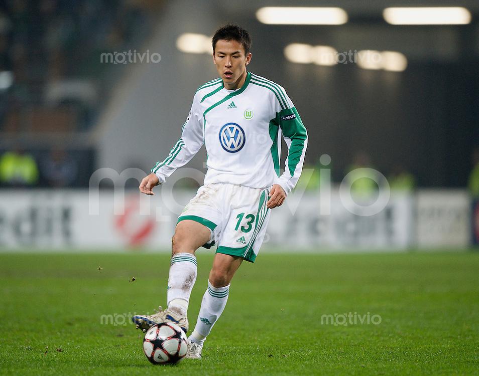 Fussball Uefa Champions League VFL Wolfsburg - Manchester United FC Makoto HASEBE (Wolfsburg).