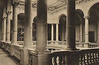 Zagreb = Agram (Croatie) : Jugoslavenska akademija znanosti i umjetnosti = Académie slave du Sud des Arts et des Sciences. <br /> <br /> ImpresumZagreb : Naklada Jul. Hühna, [1901].<br /> Materijalni opis1 razglednica : tisak ; 9 x 14 cm.<br /> SuradnikMosinger, Rudolf(1865.–1918.)<br /> NakladnikJulije Hühn<br /> Mjesto izdavanjaZagreb<br /> Vrstavizualna građa • razglednice<br /> ZbirkaZbirka razglednica • Grafička zbirka NSK<br /> ProjektPozdrav iz Hrvatske<br /> Formatimage/jpeg<br /> PredmetZagreb –– Trg Josipa Jurja Strossmayera<br /> Jezikhrvatski<br /> SignaturaRZG-STRG-15<br /> Obuhvat(vremenski)20. stoljeće<br /> NapomenaRazglednica je putovala 1902. godine. • Poleđina razglednice je namijenjena samo za adresu. • Razglednica izrađena po fotografiji Mosingera, Zagreb.<br /> PravaJavno dobro<br /> Identifikatori000952361<br /> NBN.HRNBN: urn:nbn:hr:238:687322 <br /> <br /> Izvor: Digitalne zbirke Nacionalne i sveučilišne knjižnice u Zagrebu