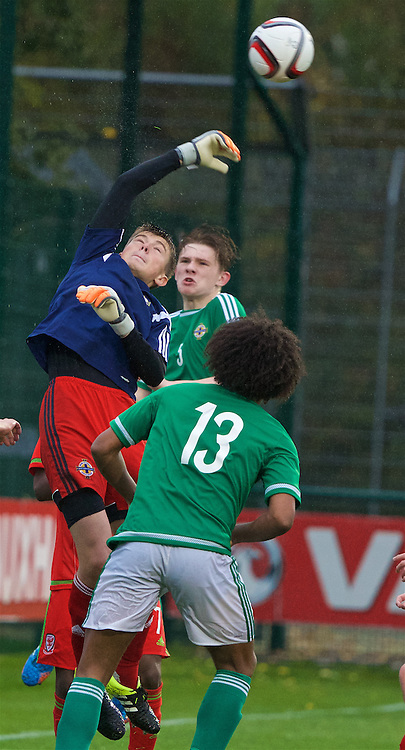 NEWPORT, WALES - Thursday, November 5, 2015: Northern Ireland's goalkeeper Oliver Webber in action against Wales during the Under-16's Victory Shield International match at Dragon Park. (Pic by David Rawcliffe/Propaganda)