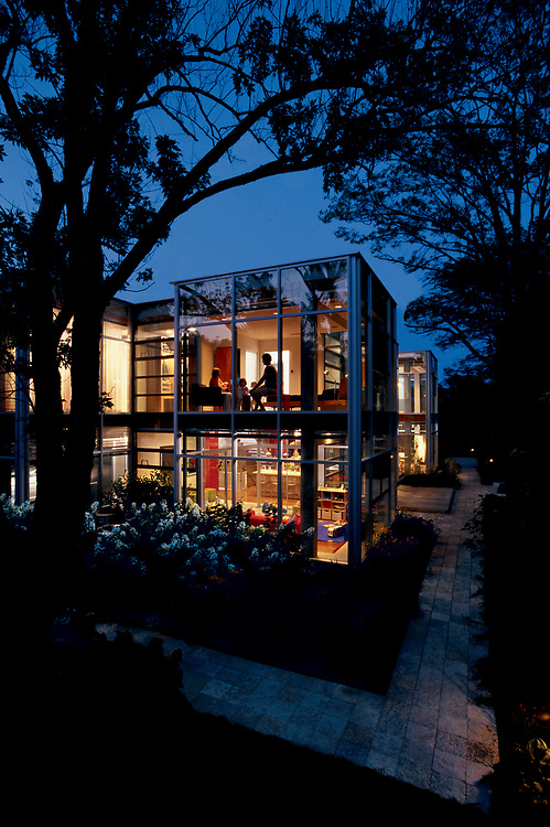 Thomas Roszak Glas House, Chicago.